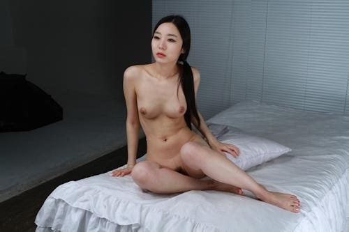 韓国美女を撮影したヌード画像 3
