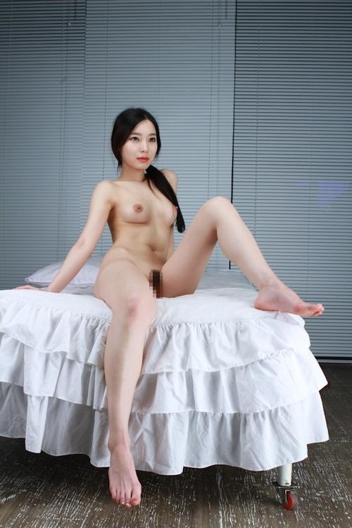 韓国美女を撮影したヌード画像 7