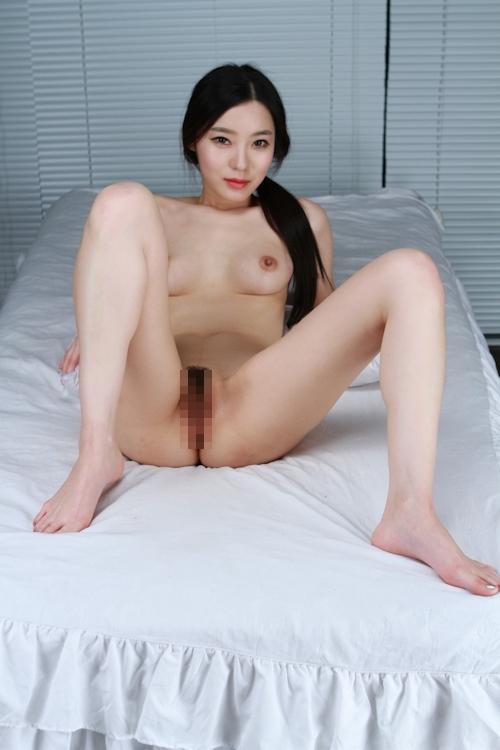 韓国美女を撮影したヌード画像 8