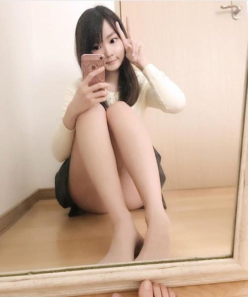 スレンダー素人美少女の自分撮りヌード&マ○コくぱぁ画像 3
