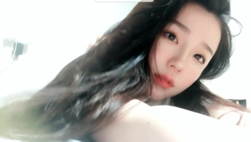 韓国の美人女子大生の流出ヌード画像 3