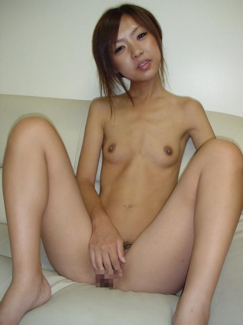 スレンダー素人美女のヌード画像 6