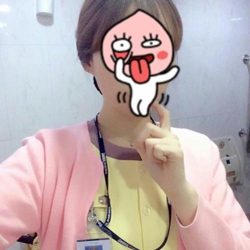 韓国巨乳美人ナースの自分撮りヌード画像? 1