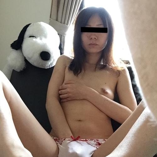 素人人妻の流出ヌード画像 5