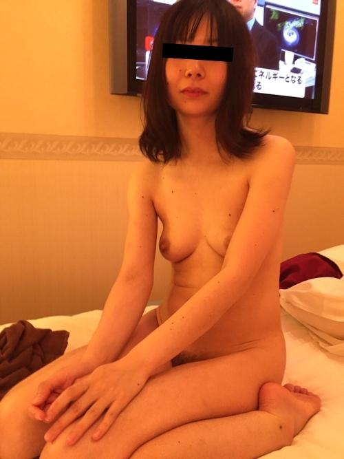 素人人妻の流出ヌード画像 7