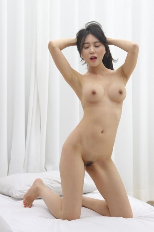 韓国美女ヌードモデルの個人撮影画像 2