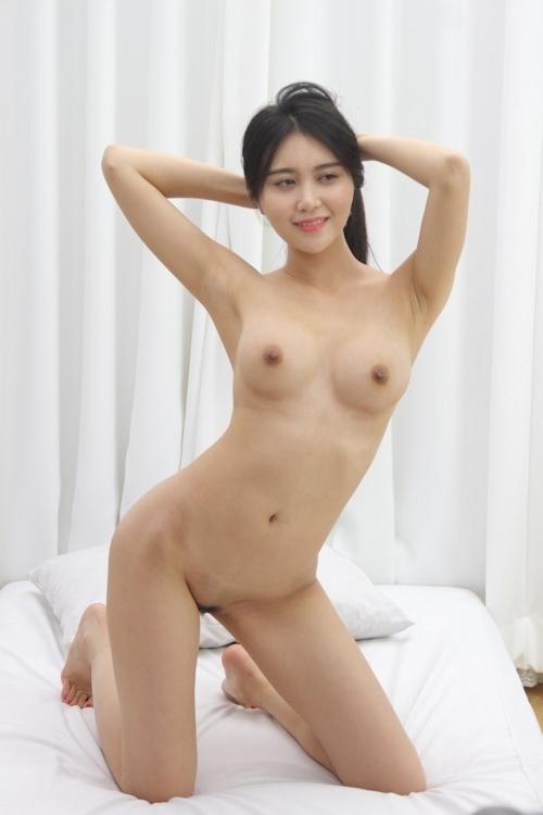 韓国美女ヌードモデルの個人撮影画像 3