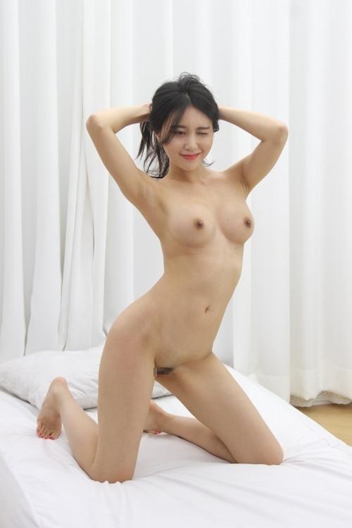 韓国美女ヌードモデルの個人撮影画像 8