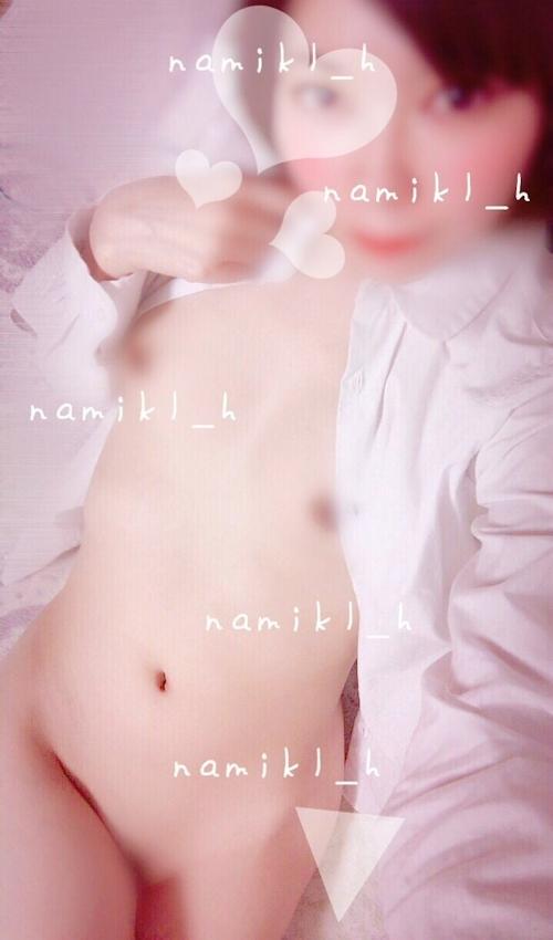 美微乳な裏垢美少女の自分撮りヌード画像 9