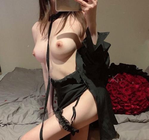 美乳できれいなカラダのネコミミ素人女性の自分撮りヌード画像 4