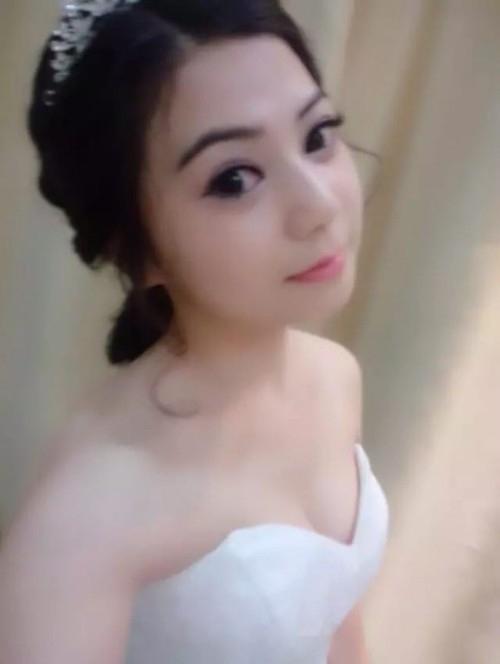 中国素人美女の乳首クリップ自分撮りヌード画像 3