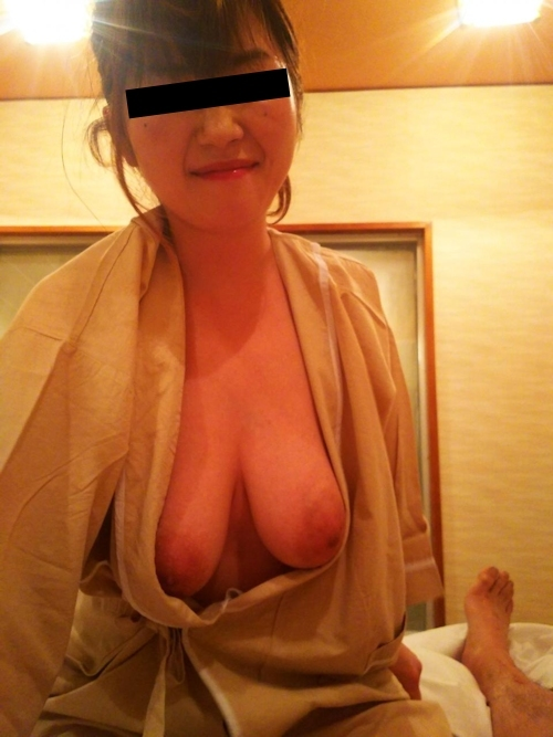 軟乳巨乳な素人美女の流出ヌード画像 7