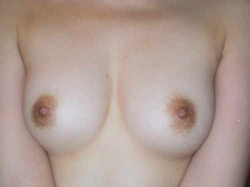 Cカップ美乳な素人女性の流出ヌード画像 3