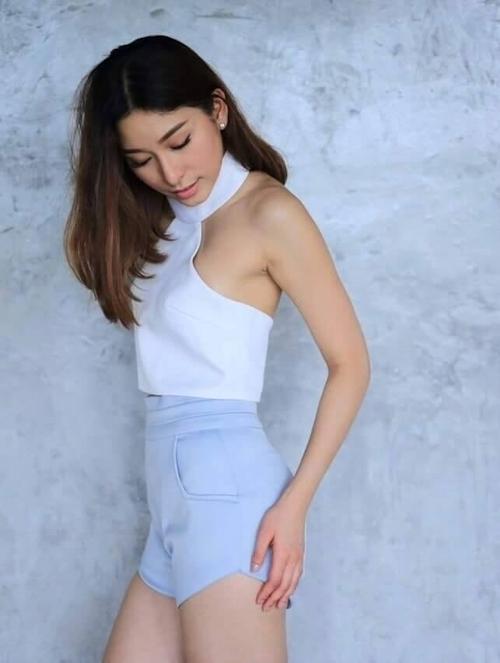 タイ美人女優の自分撮りヌード流出画像 1