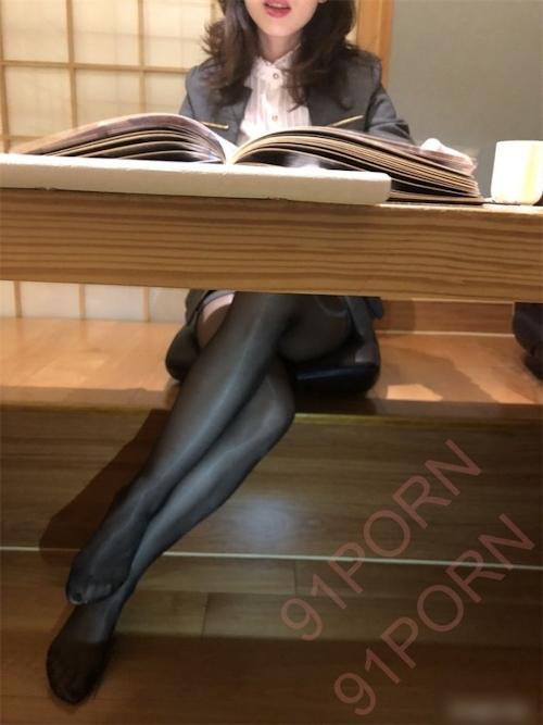 スーツ女性社員の性接待画像 3