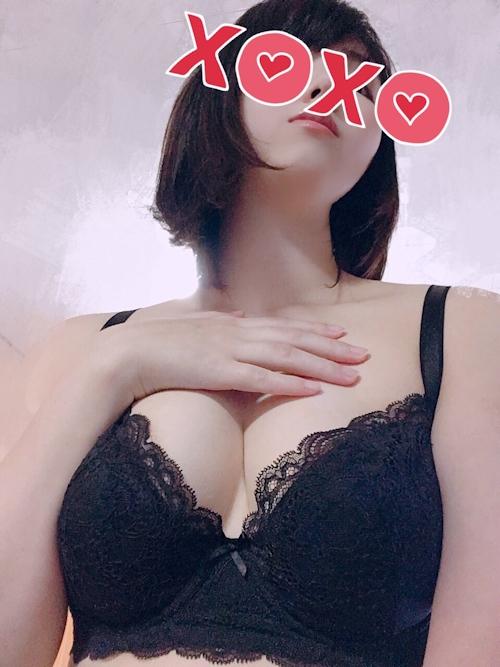 27歳美人若妻の自分撮りヌード画像 5