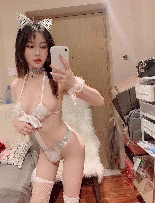 中国極上美少女の自分撮りヌード画像 3