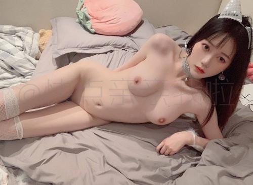 中国極上美少女の自分撮りヌード画像 13