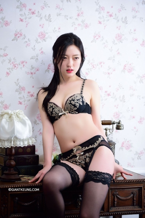 S級韓国美女モデルのセクシーランジェリー画像 3