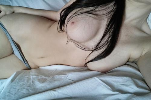 美巨乳&美尻ボディな女性のヌード画像 7