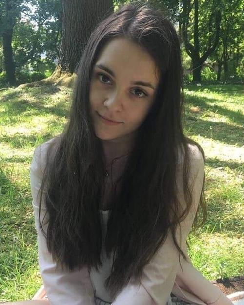 ポーランドのベリーキュートなティーン美少女のヌード画像 1