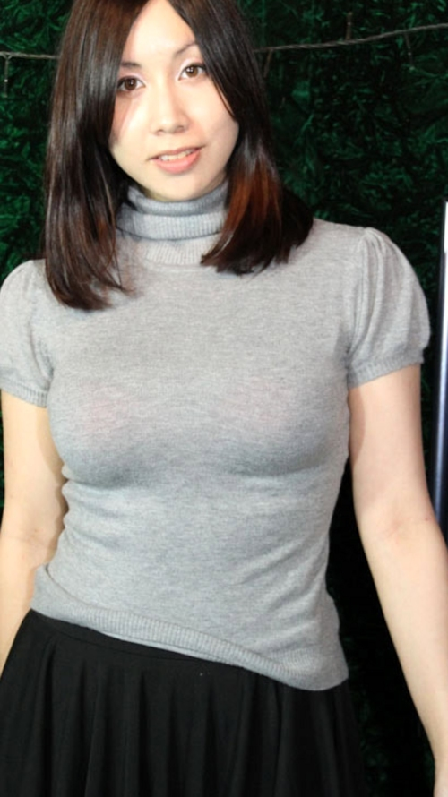 巨乳な美人妻のヌード画像 2
