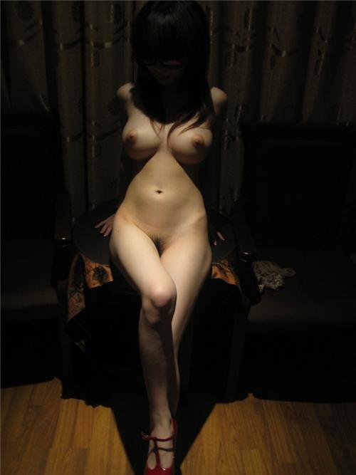 パーフェクトボディな台湾女性のヌード画像 13