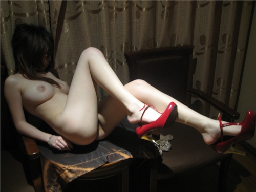 パーフェクトボディな台湾女性のヌード画像 14