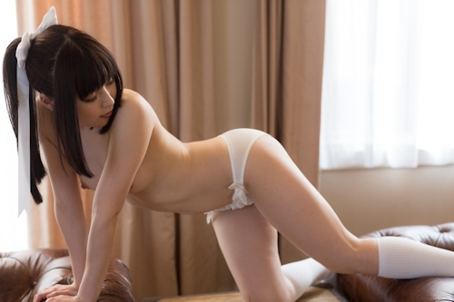 美微乳&パイパンなポニーテール美少女のヌード画像 7
