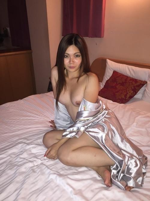 性奴隷にしてるスレンダー素人美女のヌード画像 1