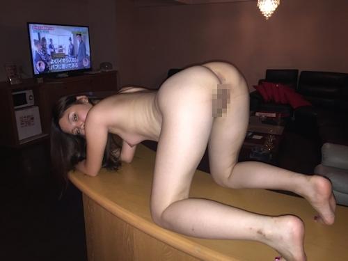 性奴隷にしてるスレンダー素人美女のヌード画像 10