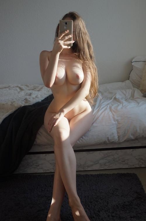 美巨乳なアメリカの女神の自分撮りヌード画像 19