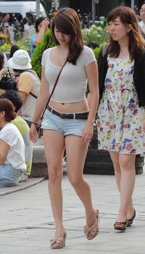 街で見かけたムチムチセクシー美女の画像 1