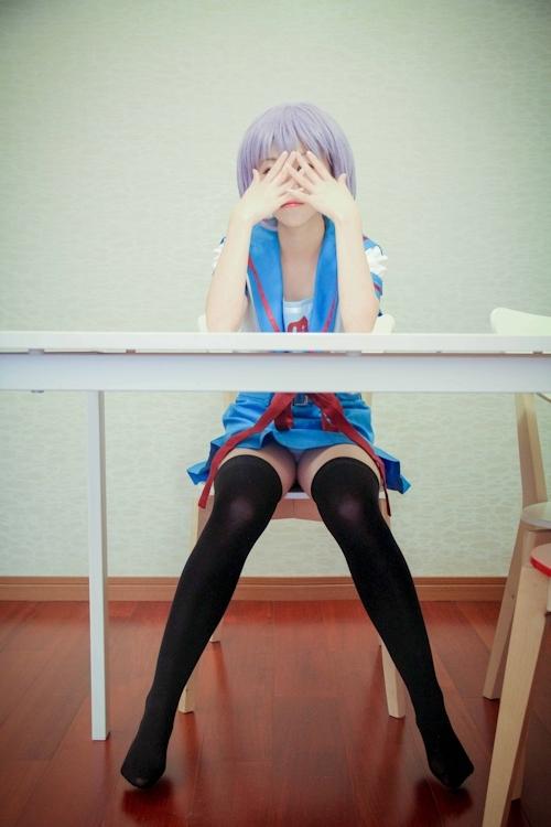 ロリ系コスプレ少女の脱衣ヌード画像 1