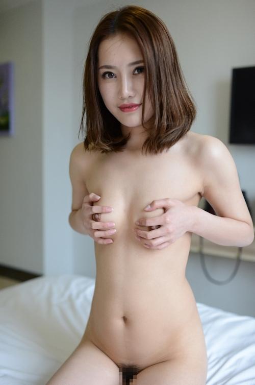 中国美女モデルのM字開脚くぱぁ画像 1