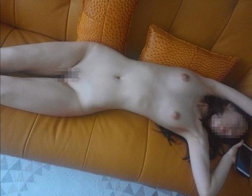 美乳&ナイスボディな素人女性のプライベートヌード画像 6