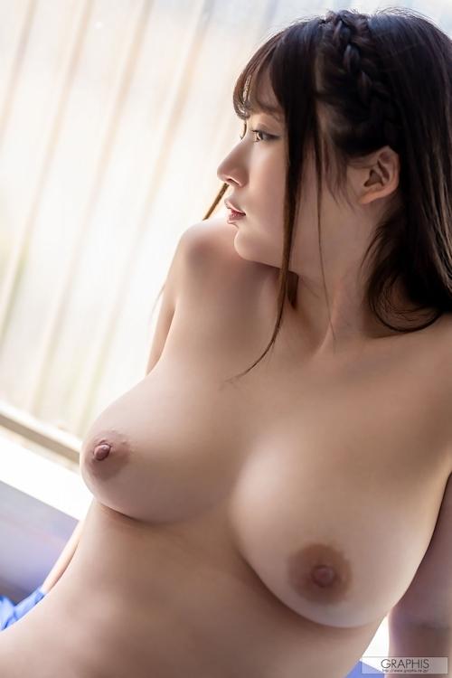 アイドル級にカワイイ! Fカップ巨乳美少女のヌード画像 10