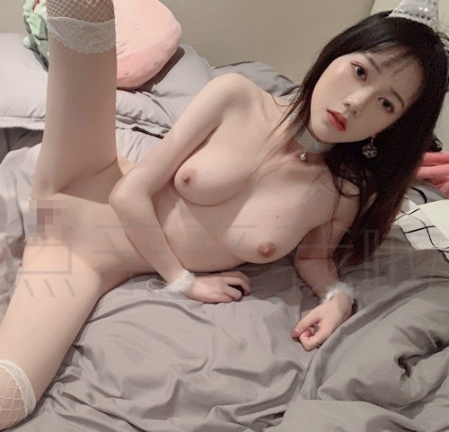 S級素人美女の自分撮りヌード画像 7