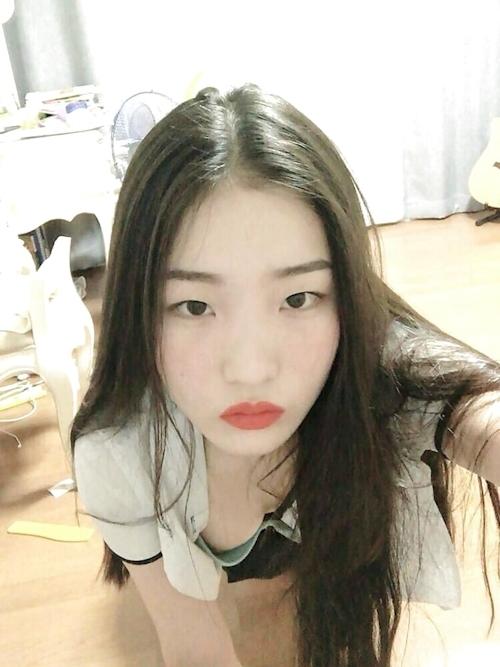 韓国素人美少女のオナニー画像 1
