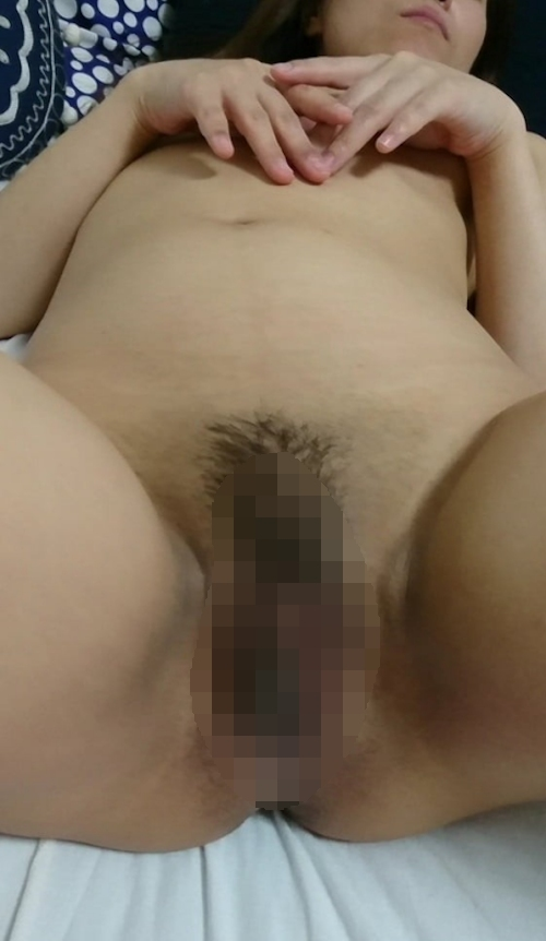 巨乳輪美人妻のプライベートヌード画像 12