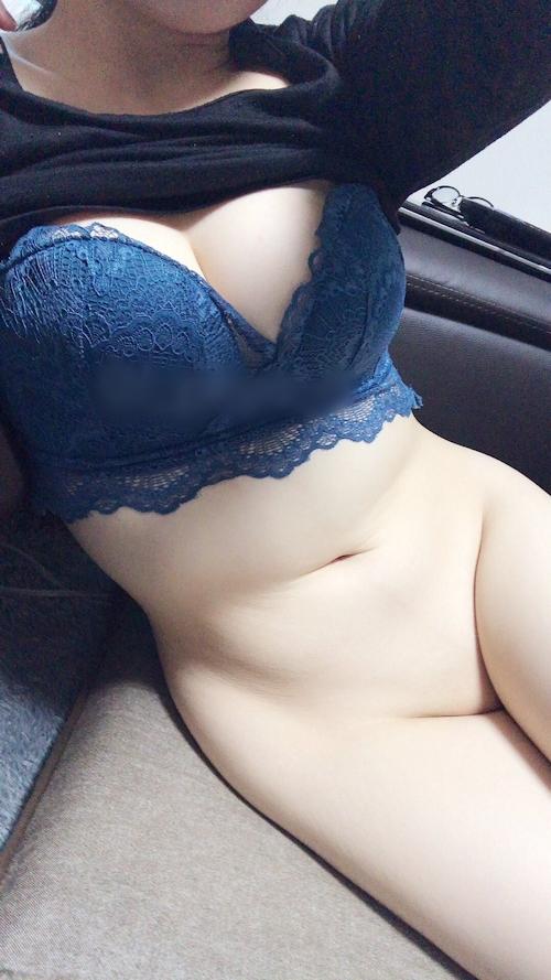 むっちり素人美女の下半身ヌード自分撮り画像 13