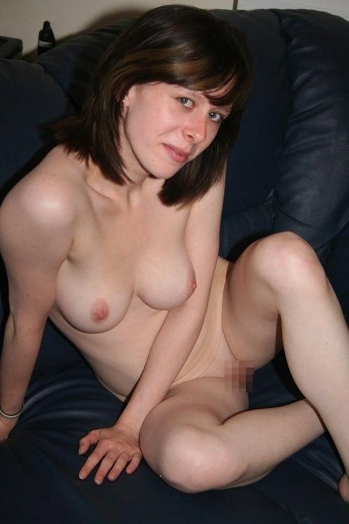ドイツの美乳素人美女のヌード画像 16