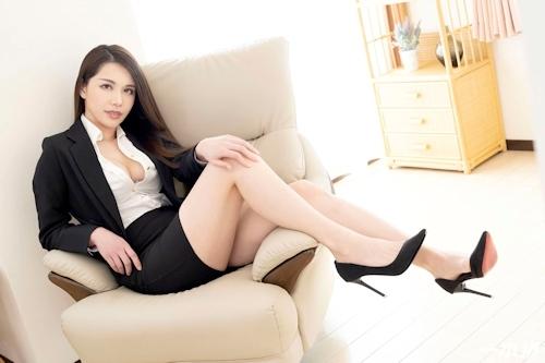 働きウーマン ~仕事もセックスにも厳しいセクハラ女上司~ 上山奈々 3