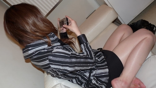スレンダー素人女性をホテルで撮ったヌード&ハメ撮り画像 1