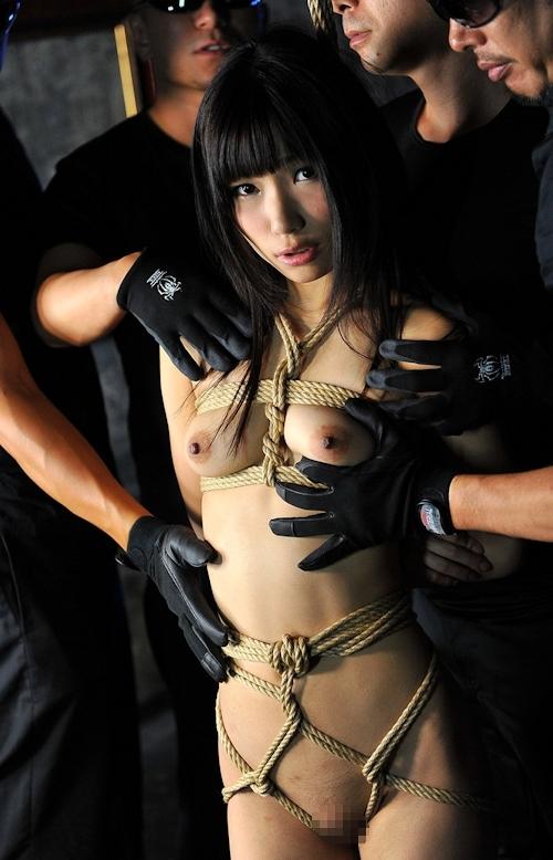 ロリ系黒髪パイパン美少女の緊縛中出しセックス画像 2