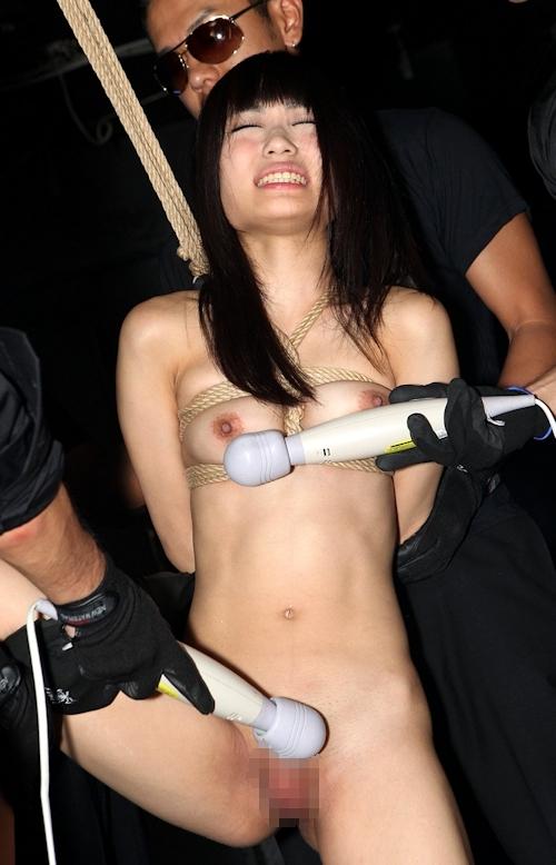 ロリ系黒髪パイパン美少女の緊縛中出しセックス画像 7