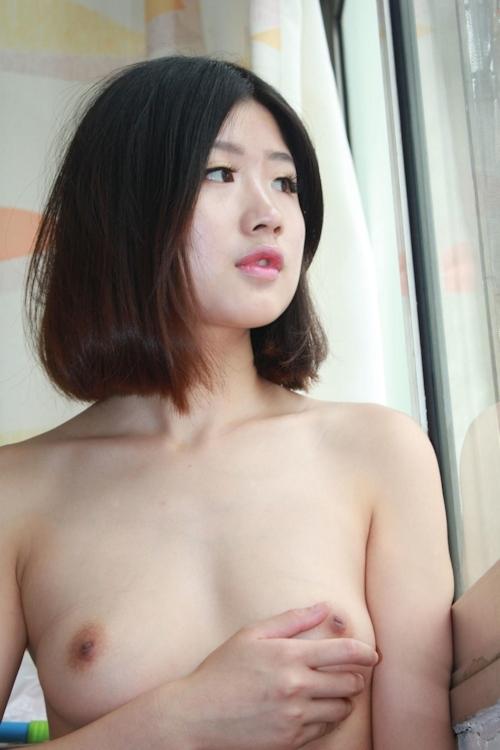 美微乳な素人女性のシャワーヌード画像 6