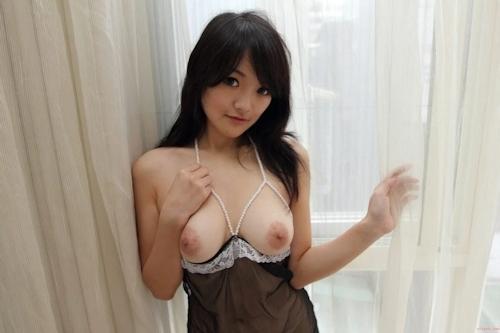 台湾巨乳美少女のセクシーヌード画像 11