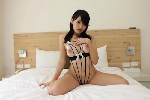 台湾巨乳美少女のセクシーヌード画像 21