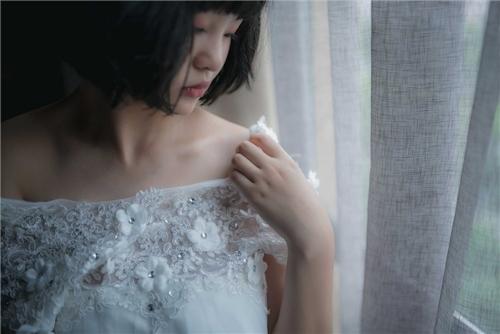 美乳パイパン少女のウェディングドレスのヌード画像 4